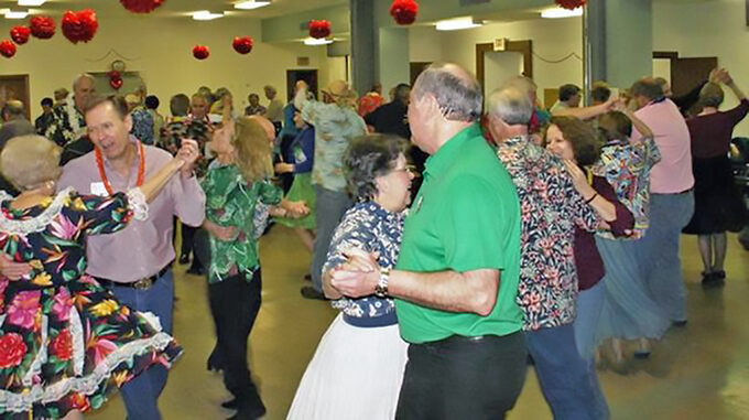 Singles & Doubles Square Dance Club dancers.
